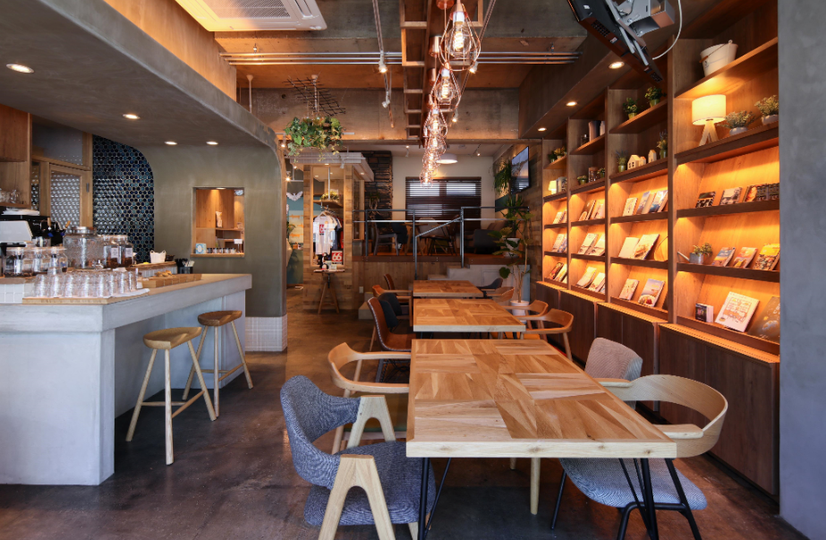 アイスランドのカフェでお仕事体験