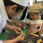 老舗での和菓子作りと甘味処体験